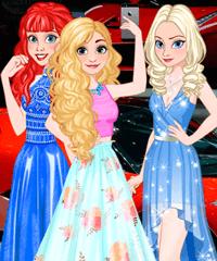 Princesses at Paris Motor Show Dress Up Game