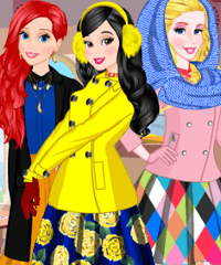 Princesses Winter Trip Dress Up Game