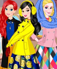 Princesses Winter Trip Dress Up Game