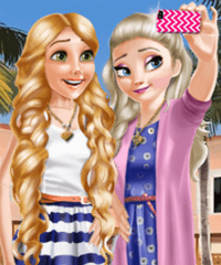 Princess Selfie Time Dress Up Game